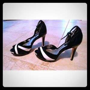 White House Black Market Stilettos Size 7M